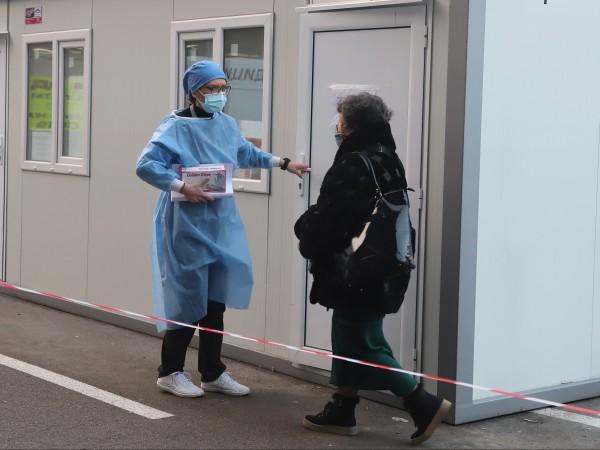54 са новите заразени с коронавирус, които са установени при