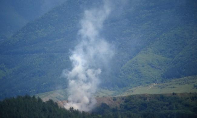 Сметището над Дупница все още гори