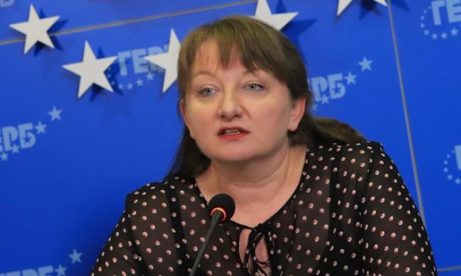 Деница Сачева: Загадка е за какво преговаря ИТН
