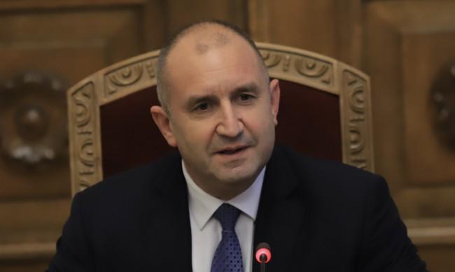 64,3% от българите зад Радев, служебният кабинет високо оценен