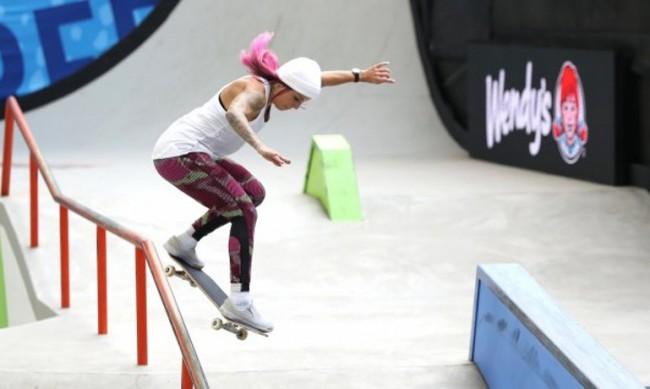 13-годишна японка е първата олимпийска шампионка по скейтборд