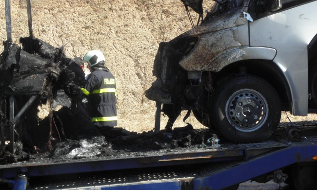 Микробус изгоря при пожар в Шумен
