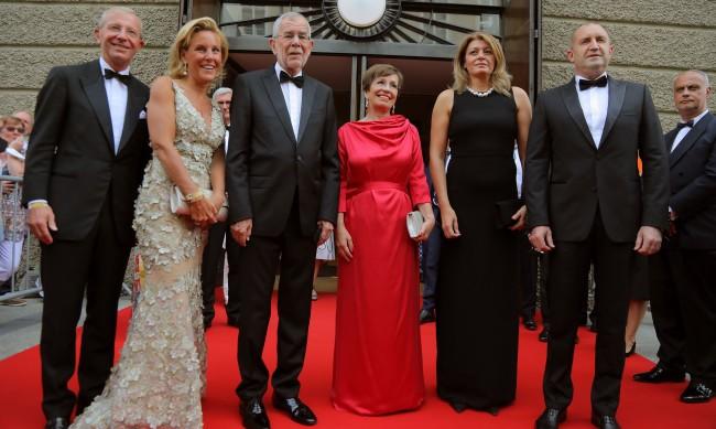 """Радев и съпругата му на операта """"Дон Жуан"""" в Залцбург"""