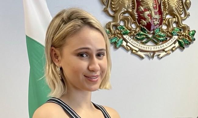Мария Бакалова ще е кръстница на военен кораб за научни изследвания