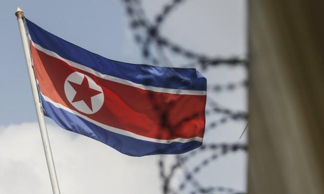 Южна и Северна Корея възстановиха комуникационните си канали