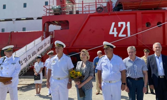 Мария Бакалова стана кръстница на кораб