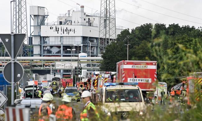 Петима в неизвестност след взрива в Леверкузен