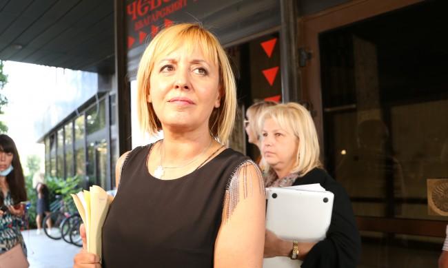 Манолова: Няма да подкрепим кабинет, ако видим ръката на ГЕРБ и ДПС