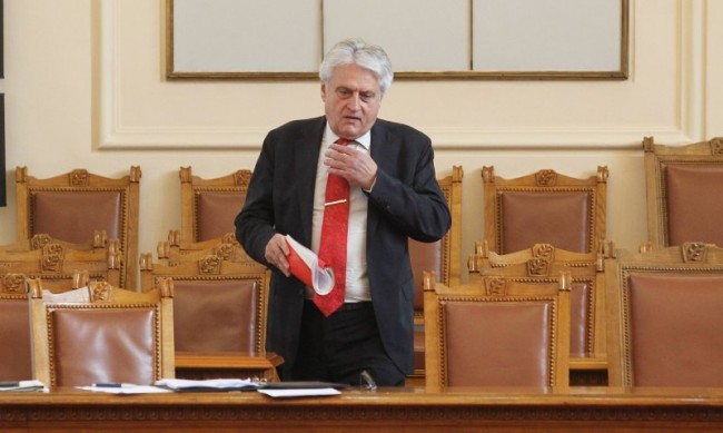 Сигналът на Рашков срещу Гешев е разпределен на прокурор