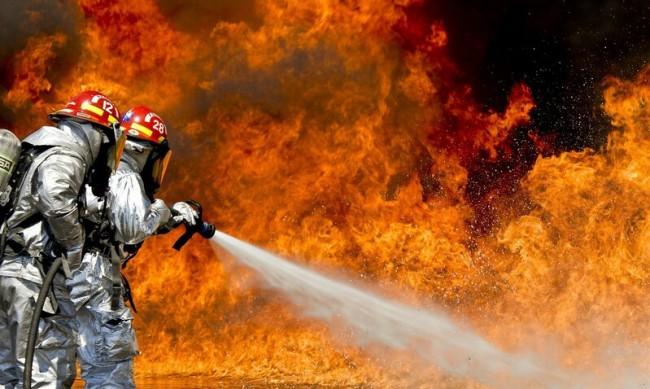 Десетки пожари върлуват в Гърция