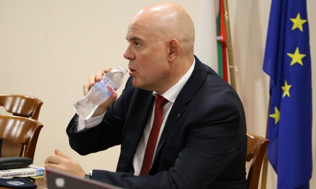 Депутатите ще изслушват и Иван Гешев