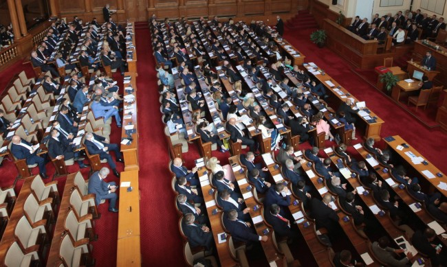 Парламентарен контрол: Половината кабинет ще отговаря на въпроси