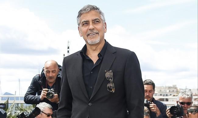Клуни подкрепя италианците след тежките наводнения до езерото Комо