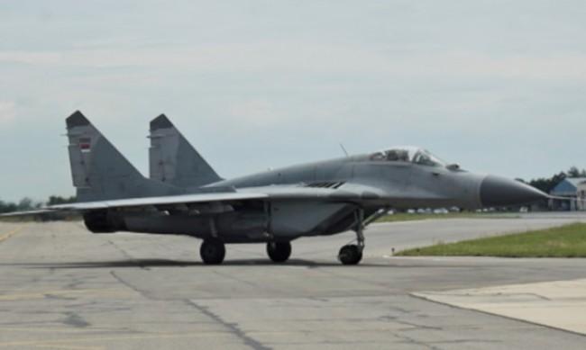 Черната кутия на МиГ-29 все още не е в Русия