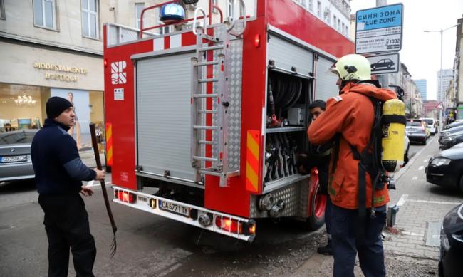 Пожар в старчески дом в Пловдив, евакуираха обитателите