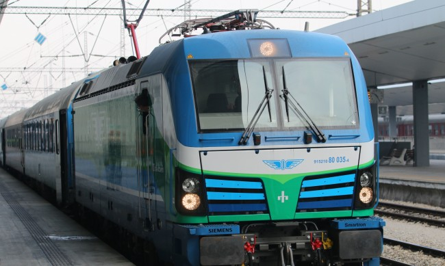 Бързи влакове от морето към София ще тръгват с около 30 мин. по-рано