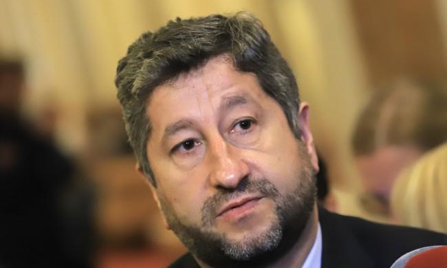 Иванов отговори на Слави: Който твърди, че ДБ е искала парчета от баницата, лъже
