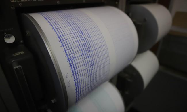 Нови две земетресения над 4 по Рихтер в Егейско море