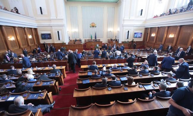 Кадиев: Плаващите мнозинства в НС - рецепта за търговия