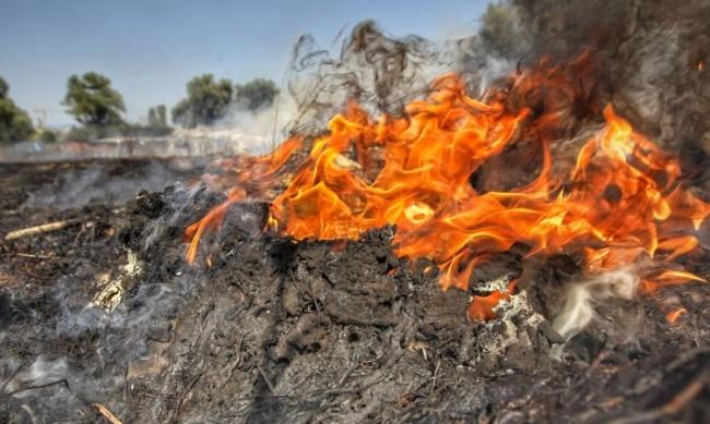 70 пожара са възникнали за ден, десетки още горят