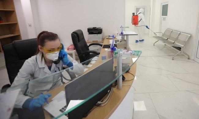 Влизаме в оранжевата зона по заболеваемост от COVID-19 до дни