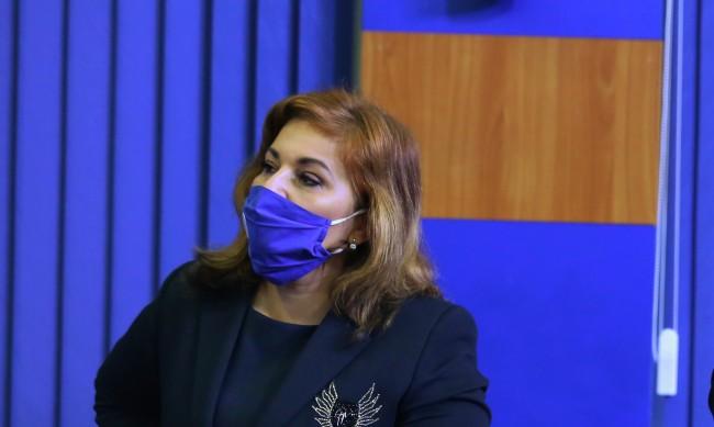 """Оправдаха окончателно Асена Сербезова за """"внесената тревога"""""""