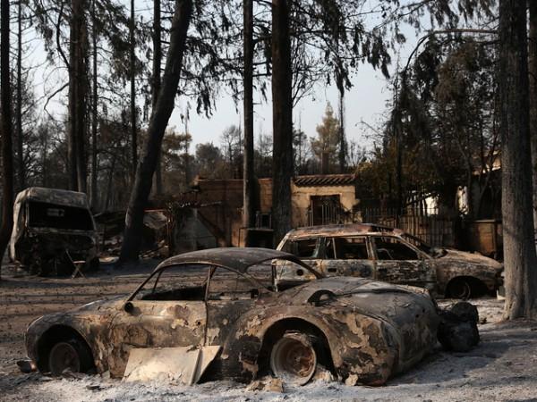 Европейската комисия ще изпрати хеликоптери, самолети и пожарникари в най-засегнатите