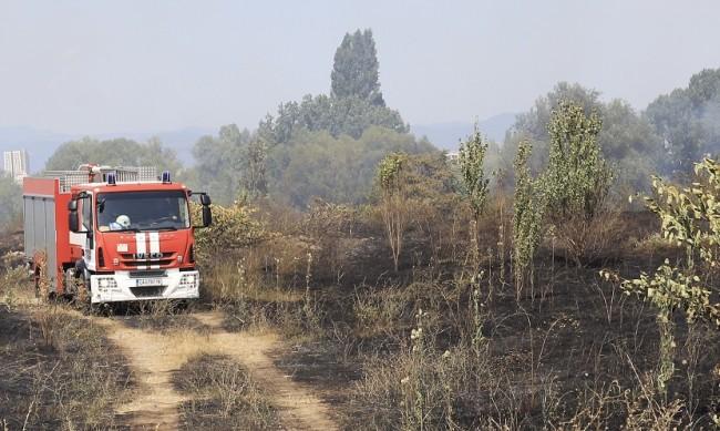 Огнен ад и край Старосел, евакуират хора