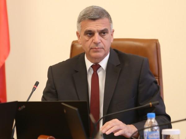 Служебният премиер Стефан Янев проведе спешна среща в Министерския съвет,