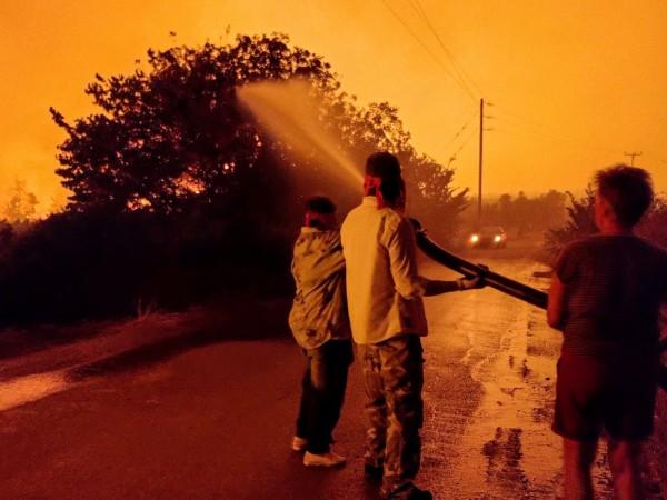 Горещото време доведе до множество силни пожари из целия Балкански