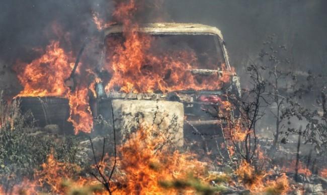 Труден ден за пожарникарите – силен вятър и високи температури