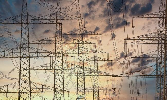 Бизнесът ще усети високата цена на тока в края на месеца