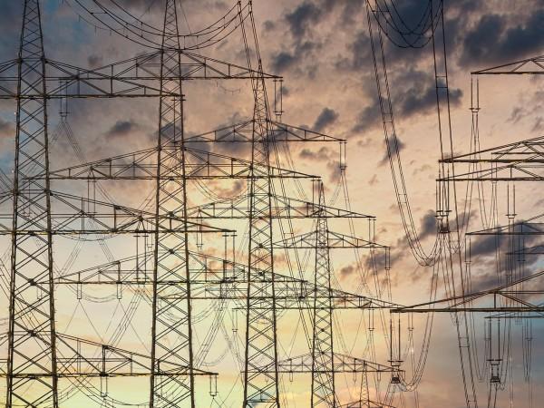 Малкият и средният бизнес ще усети високата цена на тока