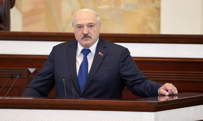 """Използва ли Лукашенко стратегията, наречена """"теория на лудия"""""""