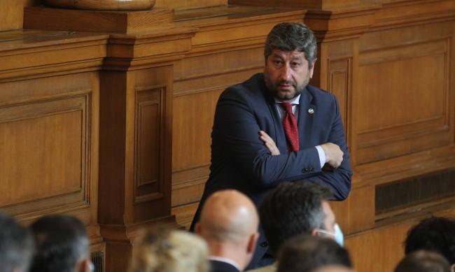 ДБ и ИБГНИ питат структурите си дали да подкрепят правителството