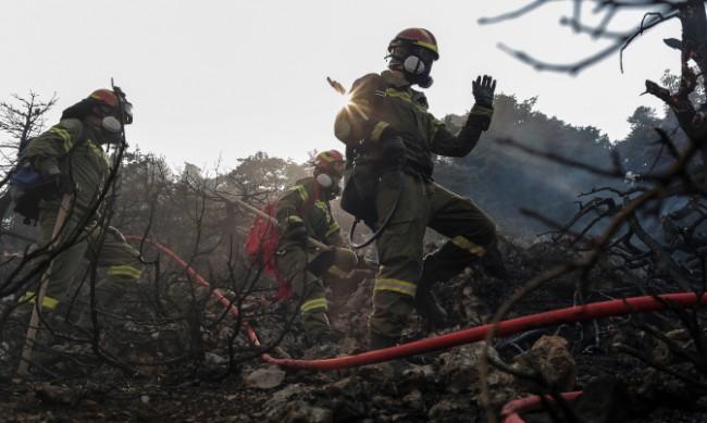 Горски пожар в Южна Франция предизвика евакуацията на хиляди хора
