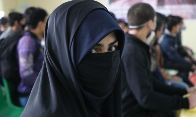 Бичуване, екзекуции... Каква съдба очаква жените при талибаните?