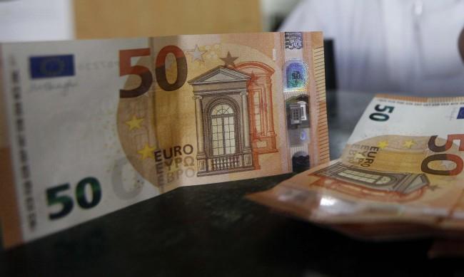 Разследват недекларирана валута за над 1 млн. лв.