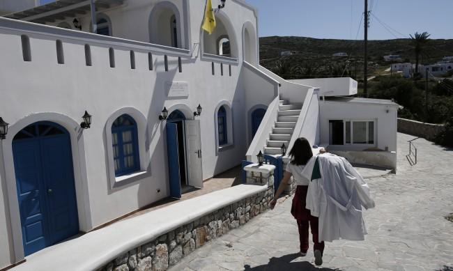 Увеличават се заразените с COVID-19 по гръцките острови