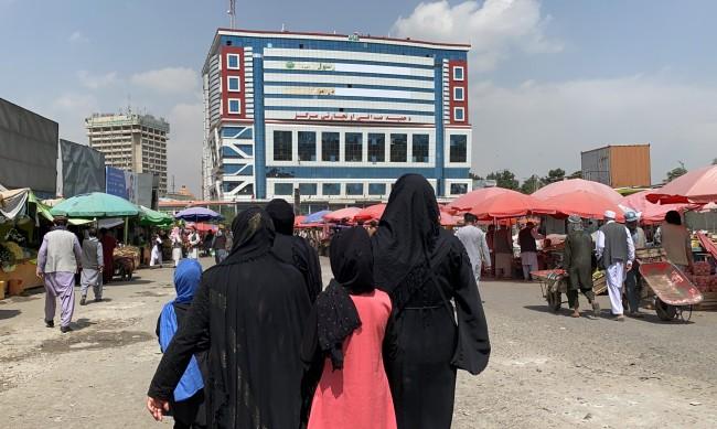 Три жени разказват от първо лице какъв е животът в Афганистан