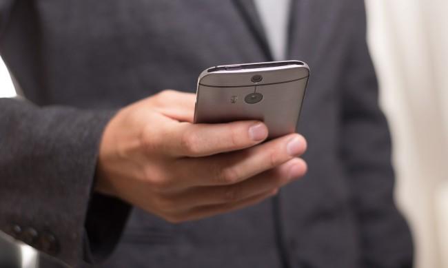 Експерти прогнозират: Смартфоните изчезват след 10 г.
