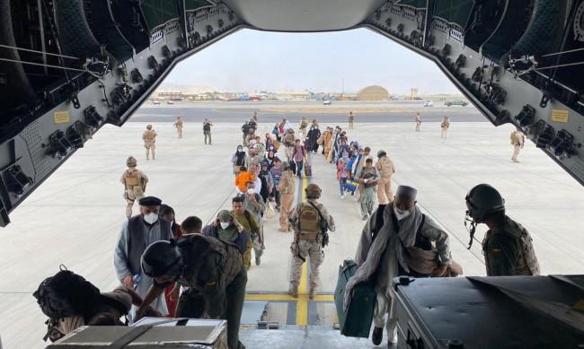 МВнР призова да не се огласяват подробности около евкауацията от Кабул