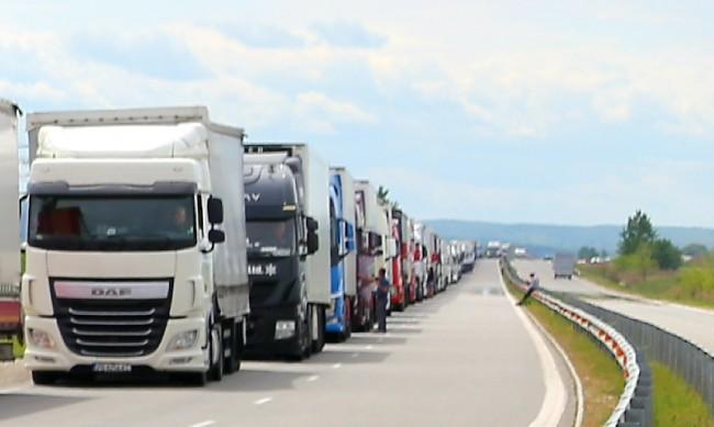"""7 милиона автомобили са премнали през """"Дунав мост 2"""" при Видин - Калафат"""