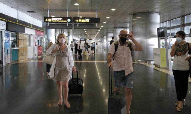Испания с нови изисквания при влизане на български граждани