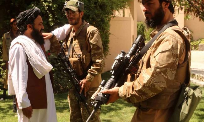 Проведоха се първи преки преговори между талибаните и съпротивата
