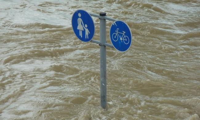 Бедствие във Венецуела: Наводнения взеха 20 жертви