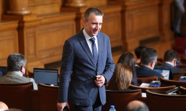 ИТН остава опозиция, няма да влиза в разговори с партията с трети мандат