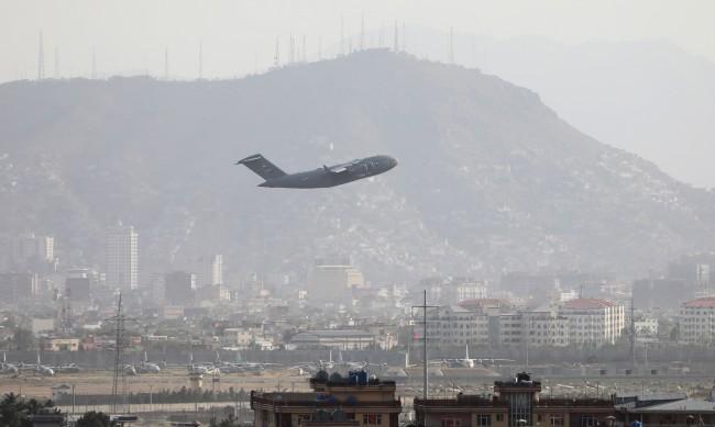 Eвакуираха от Кабул българин и семейството му