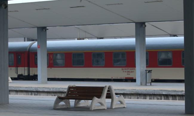 Два нощни влака по маршрута София-Бургас-София ще пристигат по-късно