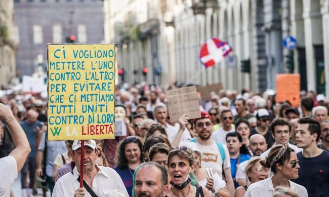 Учители на протест в Италия срещу ваксинационния сертификат